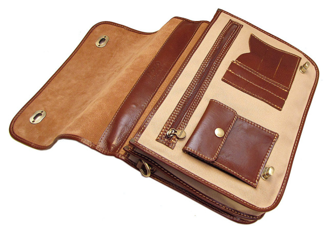 Canvas messenger bag by Floto made in Italy